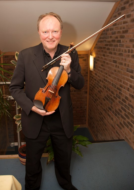 Andrew Bernardi and 1696 Stradivarius 6 12 13 047